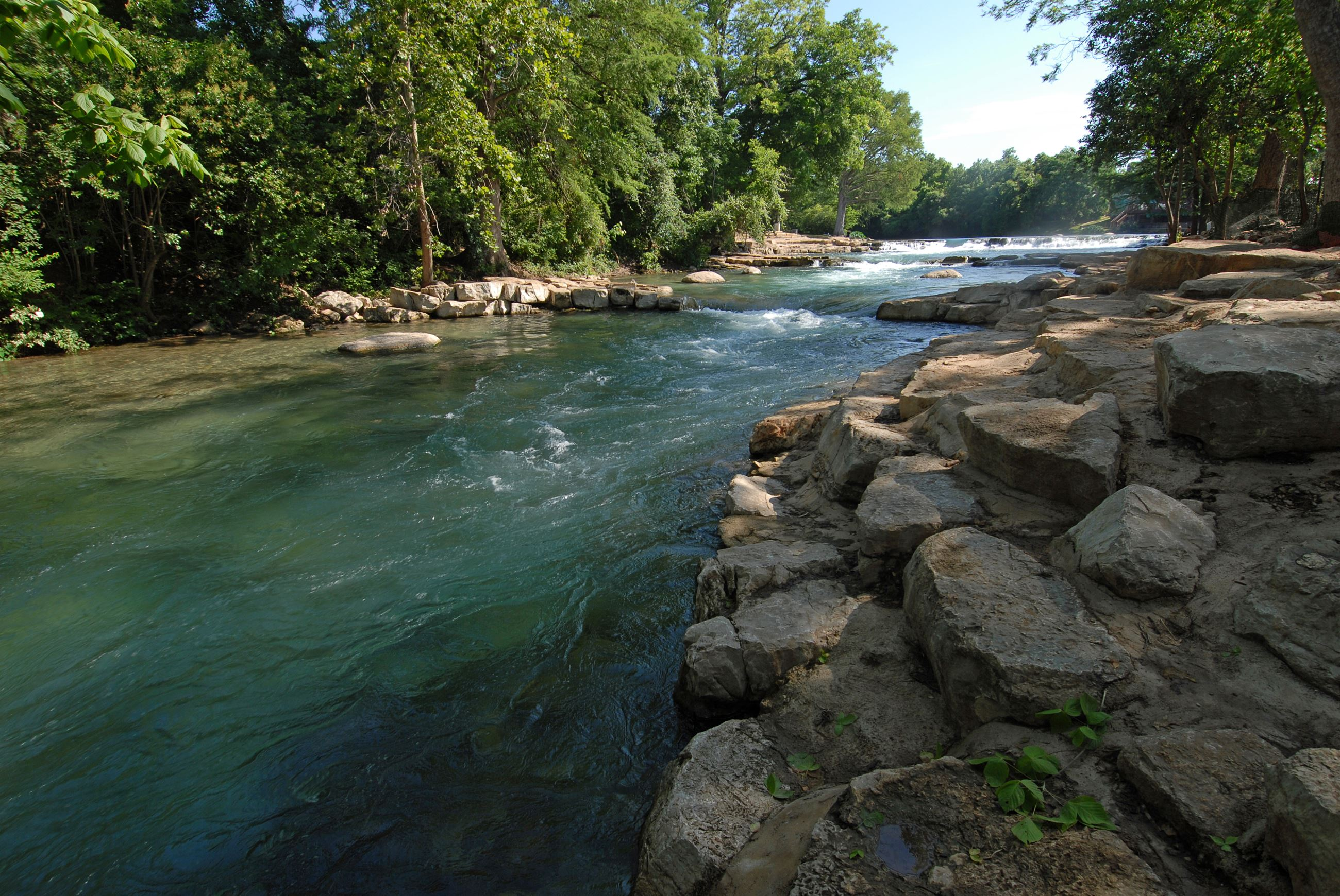 Photo of the falls at Rio Vista Park on the San Marcos River